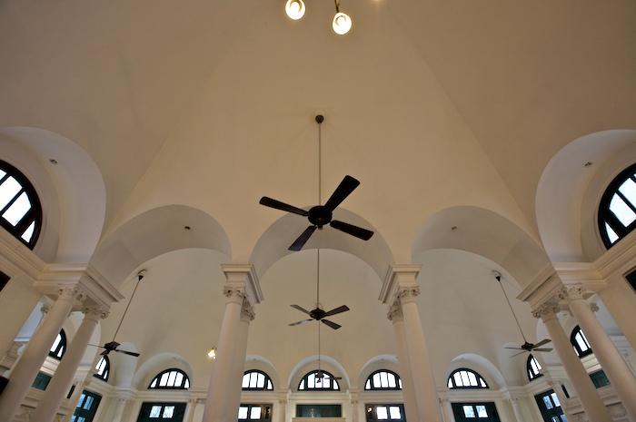タイの教会の天井