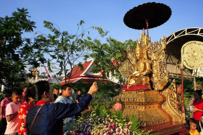 「Thai Songkran プラパラデーン」の画像検索結果